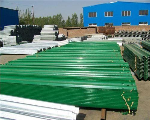 湖北省鄂州市标志杆标牌铬酸盐钝化过程