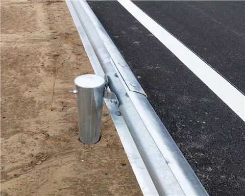 2021东营市东营区波形梁钢护栏多少钱一米