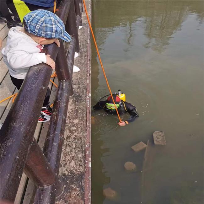 云浮潜水安装-沉井的水下桩锤打捞行业经验丰富